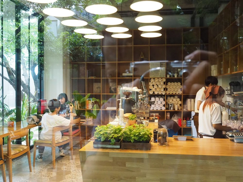 cafés Bangkok library café