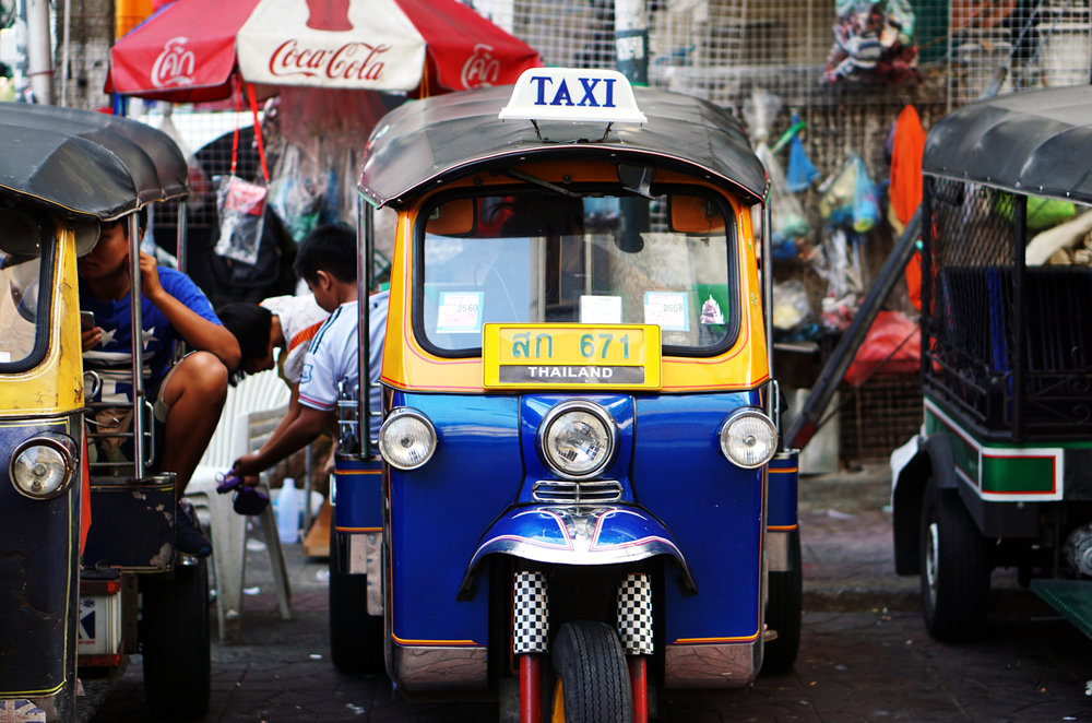 voyager thailande tuk tuk