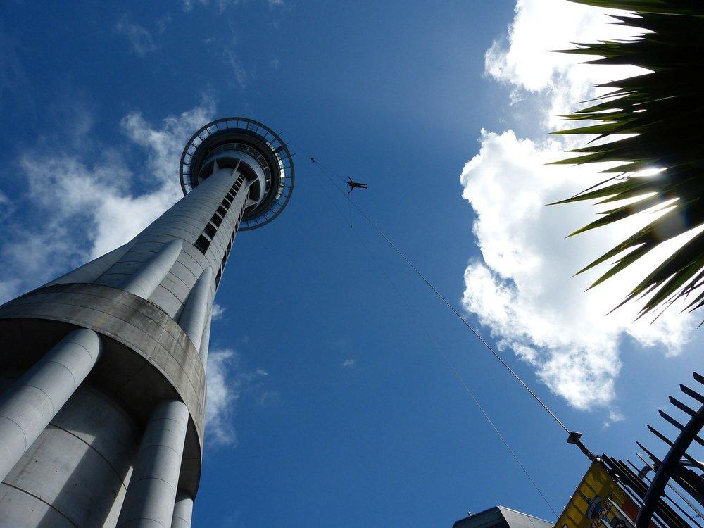 lieux dangereux sky tower auckland